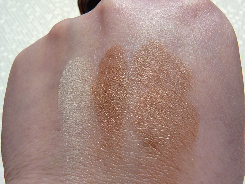 Hourglass Ambient™ Lighting Bronzer Diffused Bronze Light swatch swatches