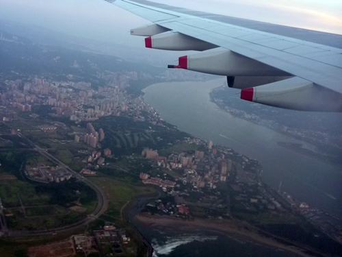 台湾・桃園国際空港近辺上空