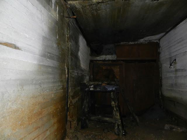 """Вход в """"Зомби пещеру"""""""
