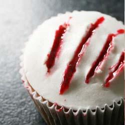real looking blood claw cupcake DIY tutorial
