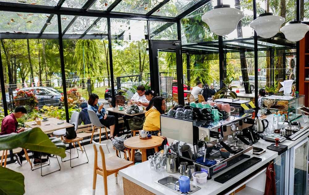 Lokasi Bisnis Cafe yang Strategis (tempatwisataunik.com)