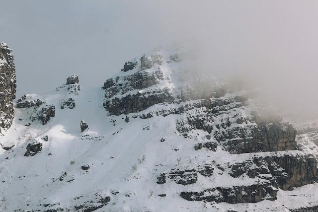 Vedere spre culmile Alpilor.