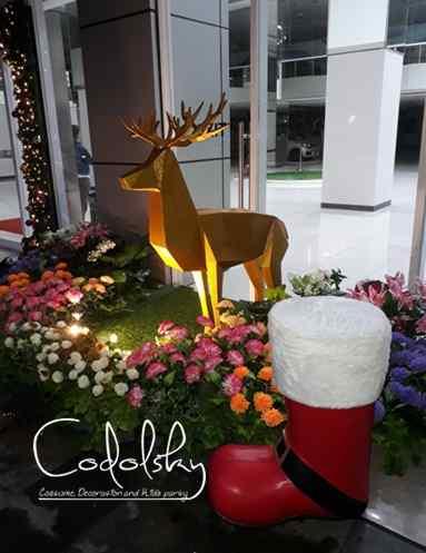 Patung Rusa & sepatu santa clause  dari styrofoam untuk dekorasi natal dan tahun baru (Christmas & new year)