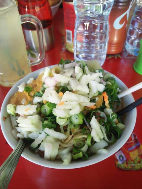 Santab siang dengan Mie Ayam ijo ungaran