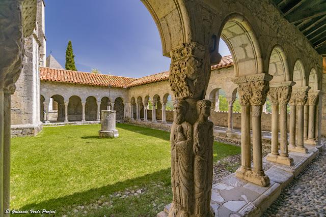 Pilar de los Evangelistas, Claustro Catedral Sta Maria, Saint Bertrand de Comminges por El Guisante Verde Project