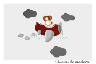silueta de madera ratón en avión babydelicatessen
