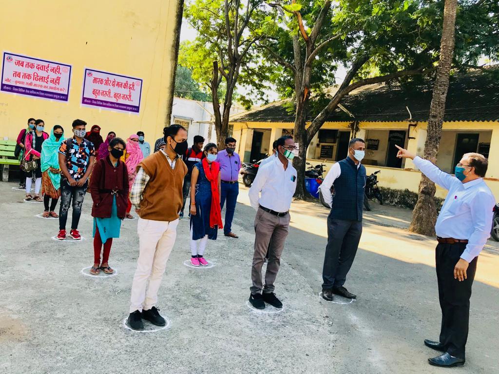 Jhabua News-  जिला न्यायालय परिसर में कोरोना रोकथाम जागरूकता अभियान चलाया गया