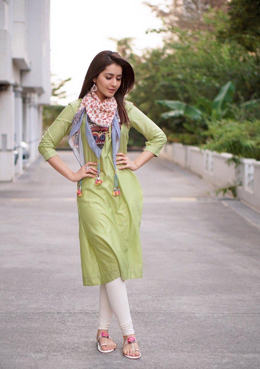 Actress RaashiKhanna Latest HD Images
