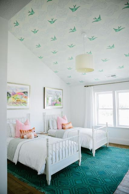 La fabrique d co du papier peint au plafond pour une d co originale et r u - Plafond chambre enfant ...