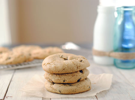 Vegan Chocolate Chip Cookies (made with canola oil!)