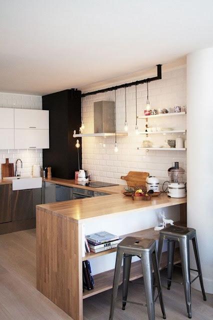 Kitchen With Bar 6