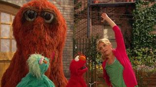 Elmo, Rosita, Gina, Snuffy, Sesame Street Episode 4321 Lifting Snuffy season 43
