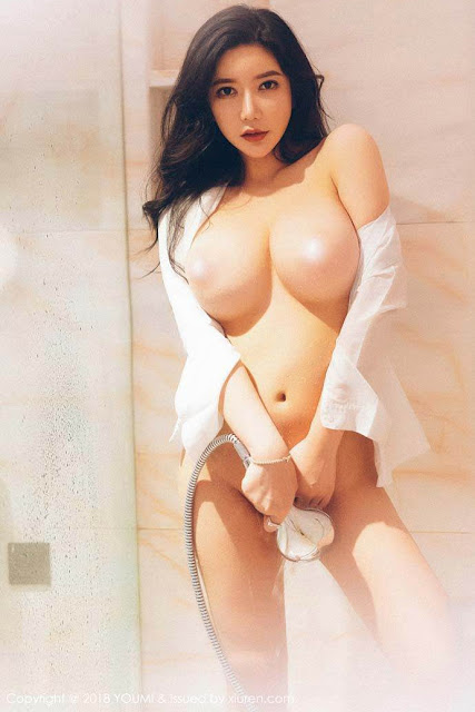 Hot and sexy nude photos of beautiful busty asian hottie chick Chinese babe model naked Xin Yan Xiao Gong Zhu photo highlights on Pinays Finest Sexy Nude Photo Collection site.
