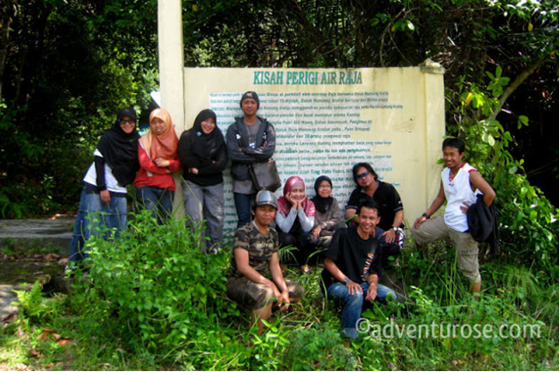Foto Blogger Dian Radiata di Pulau Air Raja, sumber adventurose.com