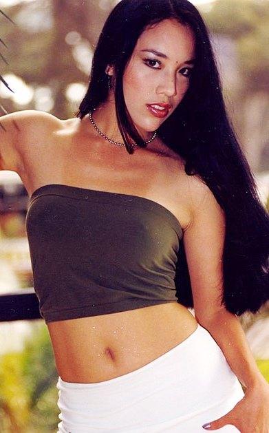 Foto de Patty Wong con cabello largo