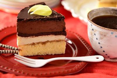 Delicious Tiramisu Mousse Cake