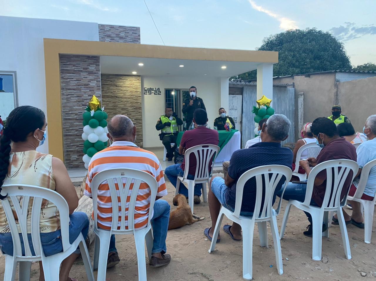 https://www.notasrosas.com/Policía Guajira crea Primer Frente de Seguridad Local Tecnológico en Maicao
