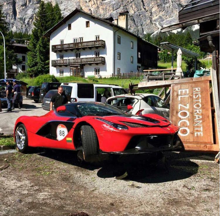 Ferrari Cavalcade Chaos 3 X Crashed Laferrari S Amp 1 X F12tdf Catches Fire