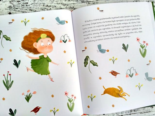 Ptaszki i owady bardzo się cieszą z okruszków, a Marysia w ogóle się niemi nie przejmuje / fot. Marta Szloser