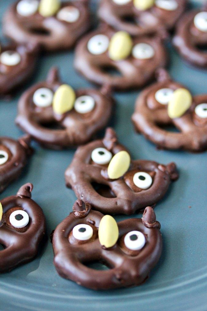 Halloween Pretzel Owls