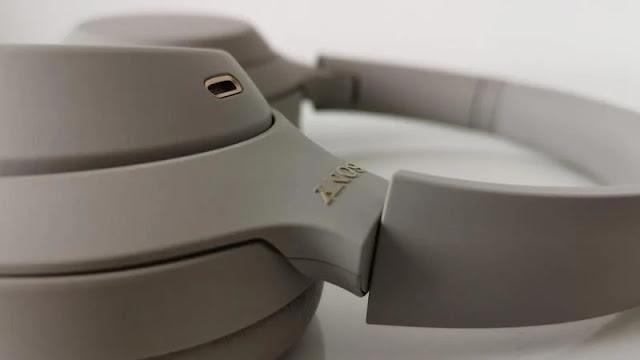 1. Sony WH-1000XM4