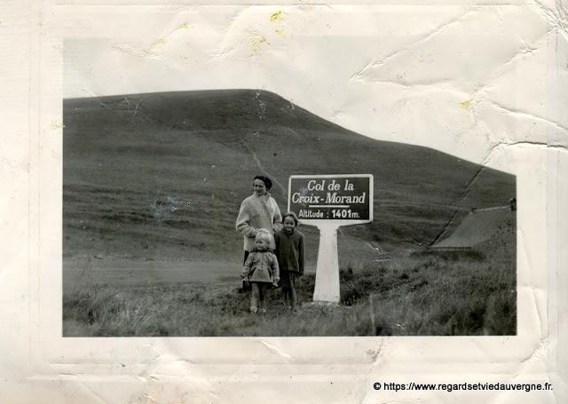 Photo de famille NB panneaux de villes Col de la Croix Morand.