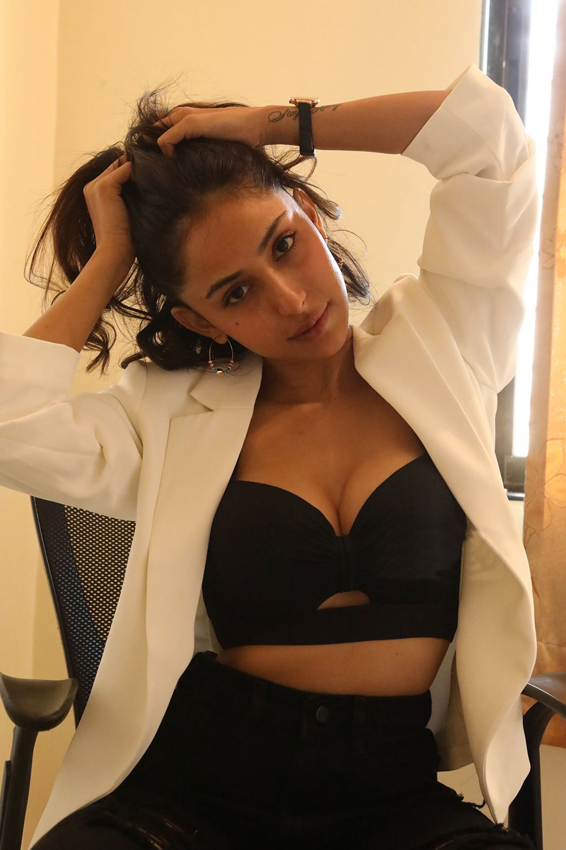Actress Kapilakshi Malhotra      Glam Photoshoot