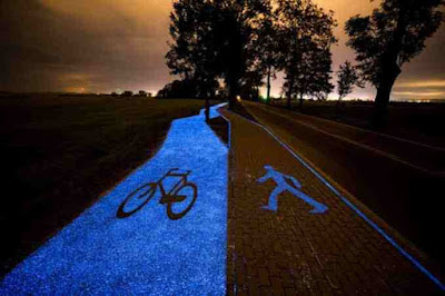 In-Pruszkow-Poland-Bicycle-path-glows-at-the-Night