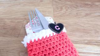 calcetin bota mesa cubiertos crochet ganchillo