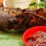 Kuliner Indonesia - Pecel Lele Bu Gendut