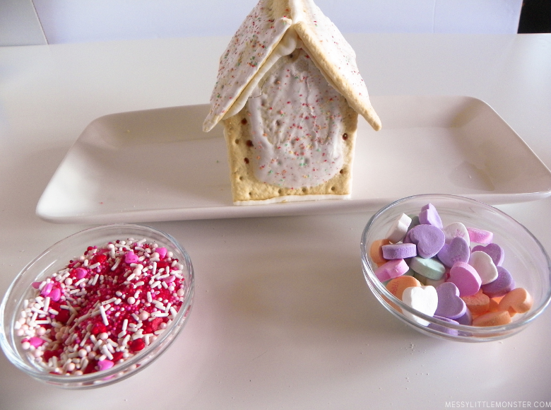 How to make a Valentine treat from pop tarts