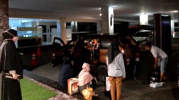 10 Hari Jalani Karantina, Pasien Sembuh Asal Selayar Naik Mobil Sewa Ke Pelabuhan Bira