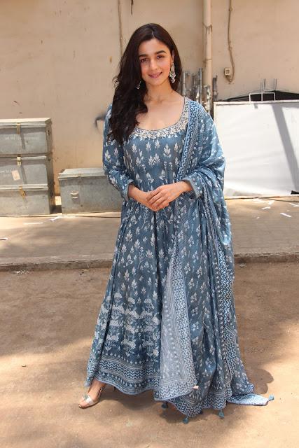 Alia Bhatt Looks Regal at the Raazi Promotion