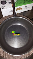 Stainless Steel Earth Pan by Ozeri