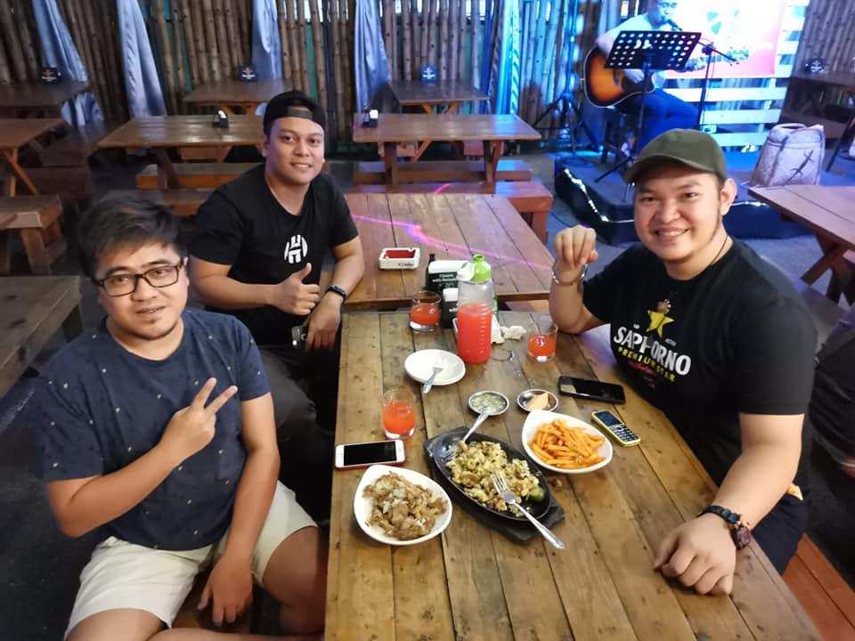Friday night in Makati