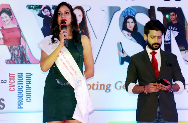 Participants in the fashion show scattered, Miss India India Globe runner-up model is soft tivataya