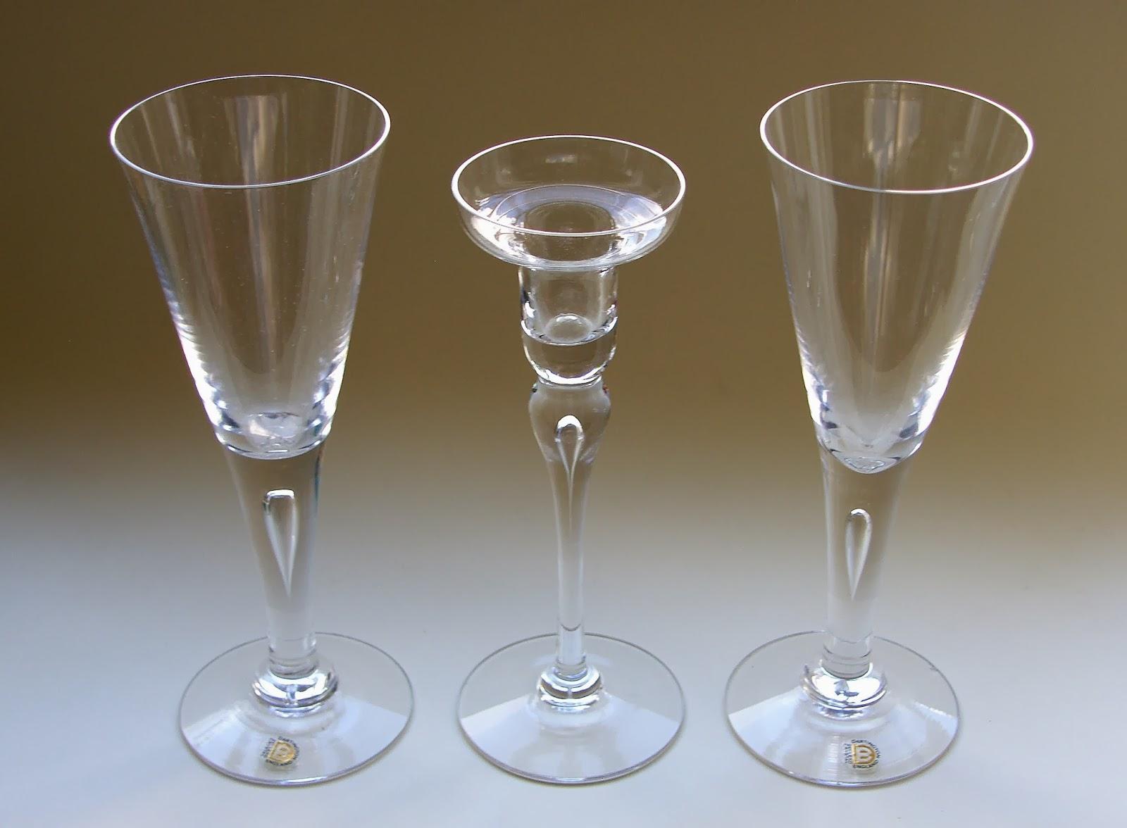 Dartington Crystal Glass Daisy Paperweight Ft 208 Dartington Pottery, Porcelain & Glass