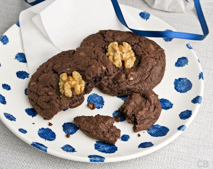 Recept Chocoladekoeken met walnoten en stukjes melkchocolade