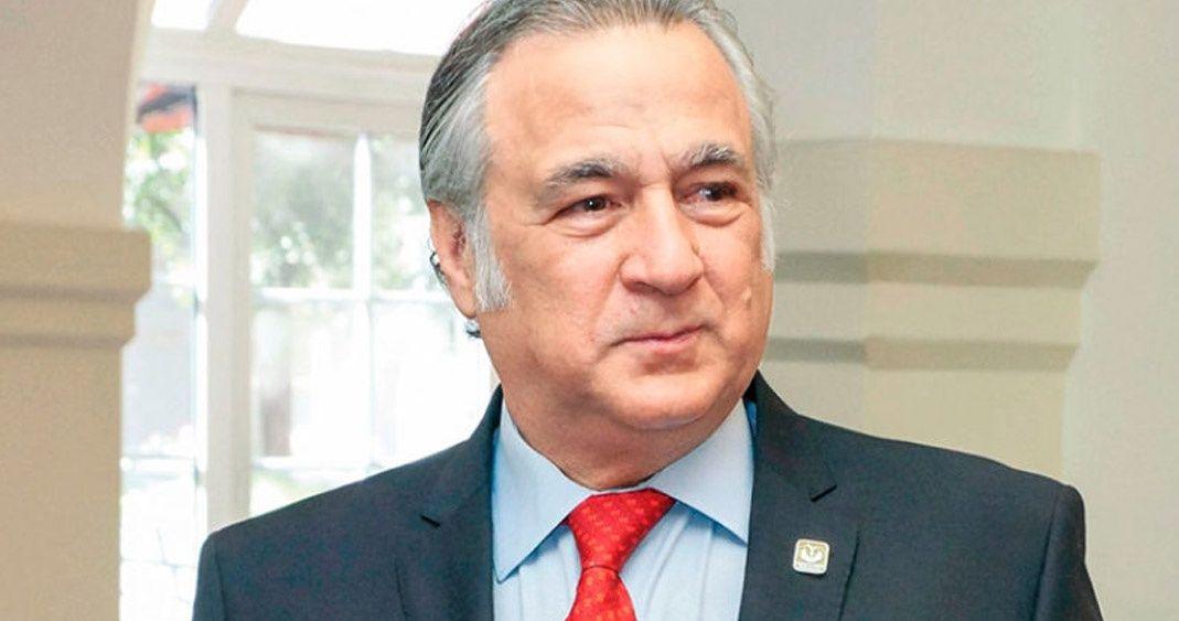 MIGUEL-TORRUCO-JUEGO-PALABRAS-REPORTE-LOBBY-1