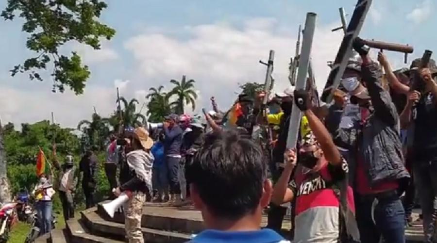 Gente armada en varios puntos del país llama a la sedición / RRSS