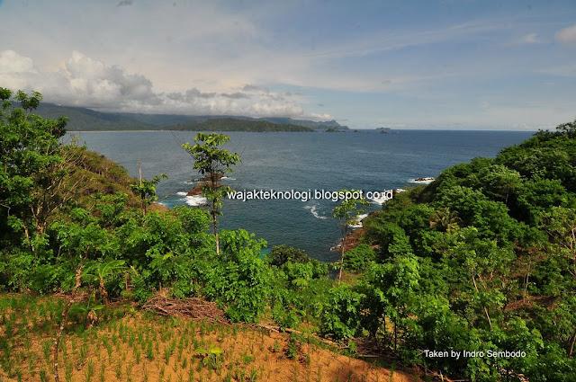 Pantai Kapulogo Munjungan