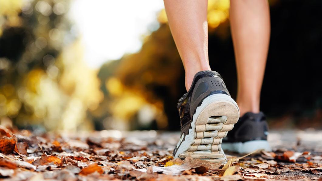 89e5ff67f91 Você que participa dos polos de treinamento e dos eventos de Caminhadas e  Corridas já deve ter consultado um especialista ou até mesmo o vendedor de  uma ...
