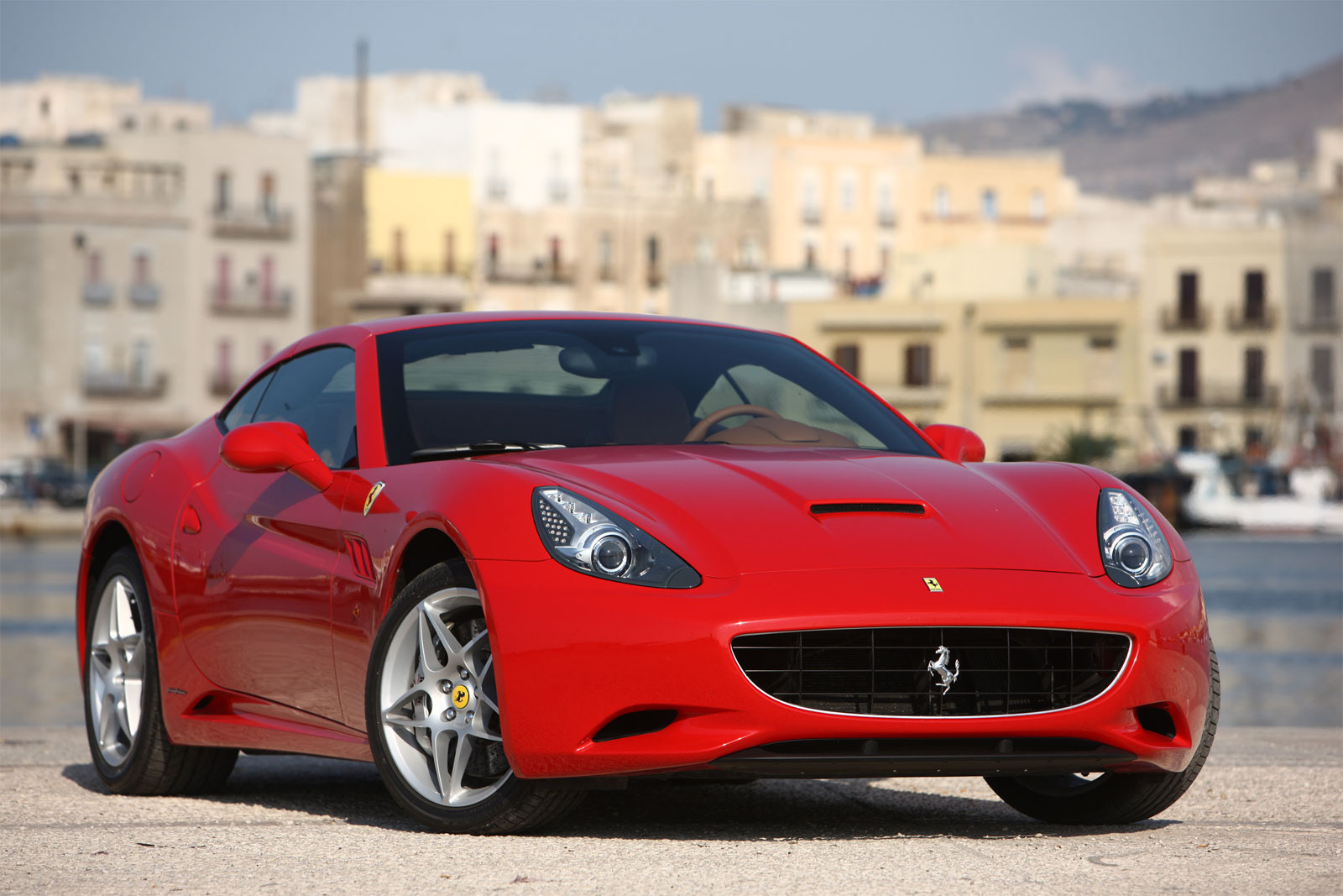 Sports Car Collection: 2011 Ferrari California Photo Gallery