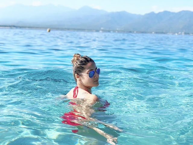 urvashi-dholakia-is-spending-her-summer-vacation-in-bali-check-out-her-latest-red-bikini