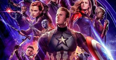 """Di dalam film ini anggota Avengers yang masih hidup bekerjasama untuk membalikkan kerusakan yang disebabkan oleh Thanos dalam Perang Infinity War """"di film sebelumnya"""". Kabarnya, film ini akan berdurasi sekitar 180 menit atau 3 jam'an. Avengers : End Game memiliki durasi terpanjang mengalahkan film sebelumnya Avengers : Invinity War yang berdurasi 149 menit.    Film ini akan tayang pada 26 April 2019 (Amerika). Dalam trailernya yang berdurasi 2 menit 30 detik itu yang kini telah menjadi tranding di yutube indonesia hanya dalam hitungan jam, terlihat pasukan Avangers kembali berkumpul setelah sebelumnya bertempur secara terpisah dalam Avenger : Invinity War."""