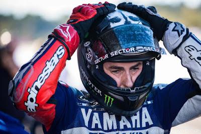 Akhiri Dominasi dan Popularitas Rossi Jadi Alasan Lorenzo ke Ducati