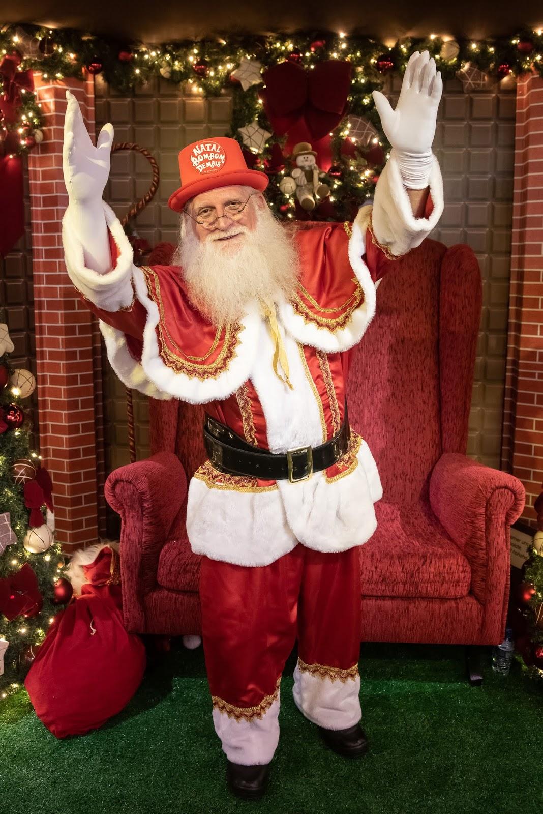 Papai Noel e a Turma do Chaves juntos no Natal do JK Shopping