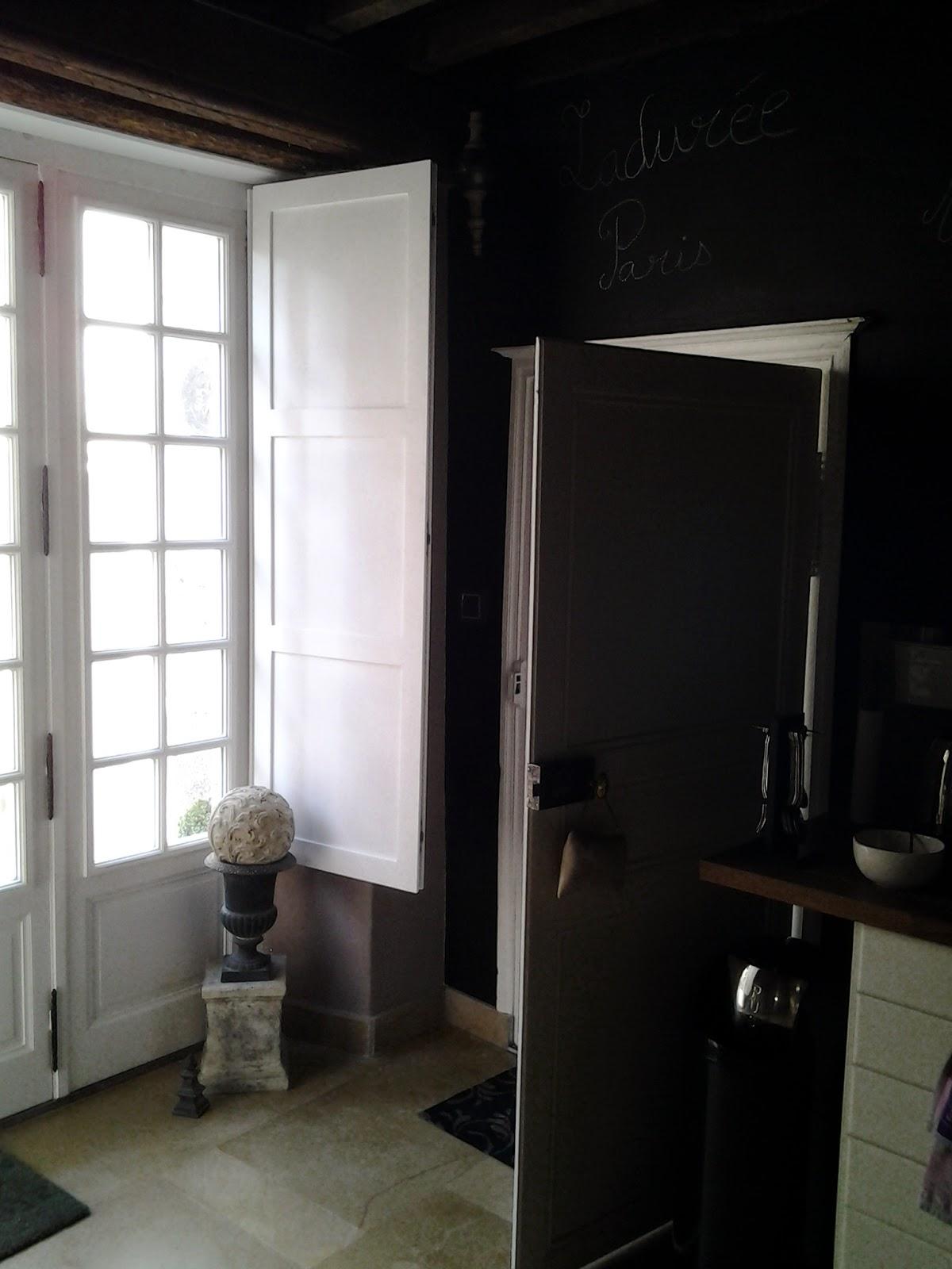 h tel du faune xvieme si cle ch tillon sur sa ne renovation des fenetres du rez de chauss e. Black Bedroom Furniture Sets. Home Design Ideas