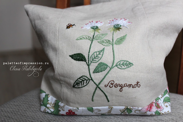 Проектная сумка для вязания Sadako Totsuka Бергамот гладью Цветы гладью прикладная вышивка Herb Embroidery on Linen by Sadako Totsuka