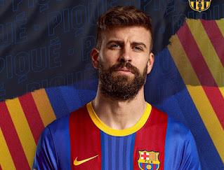 قميص برشلونة الجديد يشغل الكلاسيكو قبل مواجهة ريال مدريد.. صور